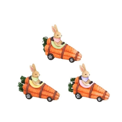Koristepupu porkkana-autossa