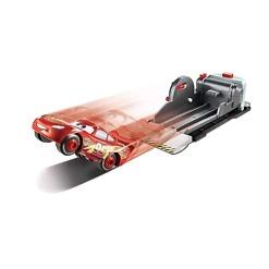 Stunt & Skills leikkisetti Salama McQueen