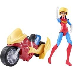 WonderWoman ja ajoneuvo