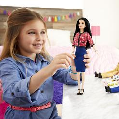 Poliitikko Barbie leikissä