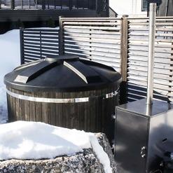 Kylpytynnyri pähkinänruskea ja diesel lämmitin Hottia